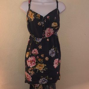 Torrid blue floral high low tank top Size 3